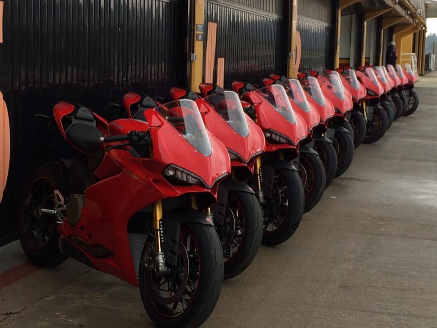 Panigale 1299 Neumoto Neumaticos de Moto Ducati Delaer Trainig  2015D