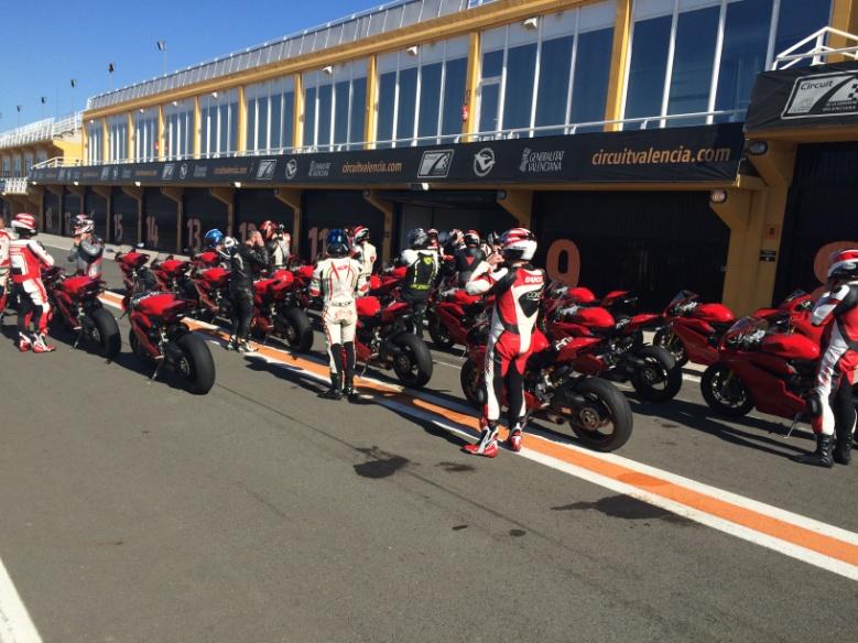 Neumoto Neumaticos de Moto Ducati Delaer Trainig  2015