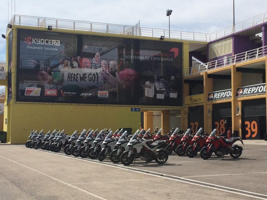 Ducati Multistrada Neumoto Neumaticos de Moto Ducati Delaer Trainig  2015
