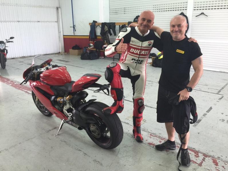 Dario Marchetti y Toni Castillo Neumoto Neumaticos de Moto Ducati Delaer Trainig 2015