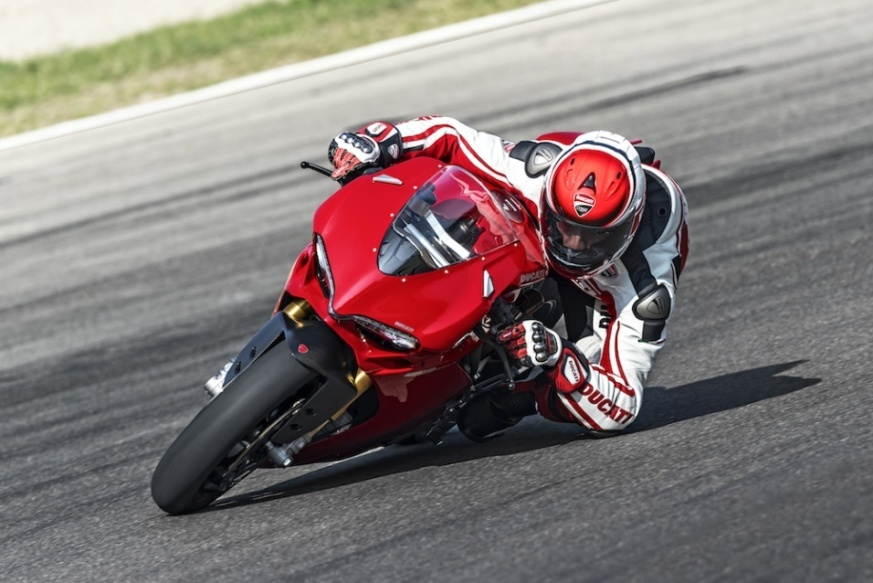 Alessandro Valia Neumoto Neumaticos de Moto Ducati Delaer Trainig 2015