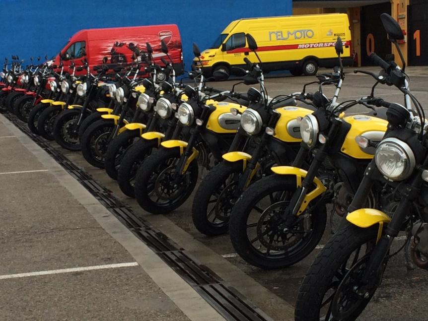 Ducati Scramble 2015 Neumoto Neumaticos de Moto Ducati Delaer Trainig  2015